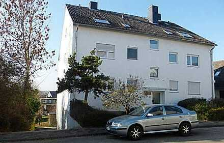 Gut geschnittene 2 Zimmerwohnung mit Balkon und Fernblick in Schöneck zu vermieten