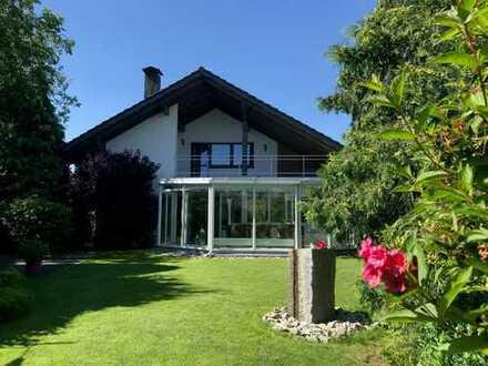 im Landhausstil mit traumhaften Garten, Schwimmbad, Wintergarten, Wellnessbereich Provisionsfrei!