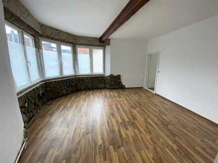 Neu Renovierte Wohnung & Haus in Zentraler Lage