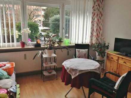 Gepflegte 1,5-Zi-EG-Wohnung mit Terrasse und Einbauküche in Augsburg