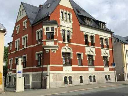 Sehr schöne und geräumige 4-Raum-Wohnung mit Einbauküche in Klingenthal
