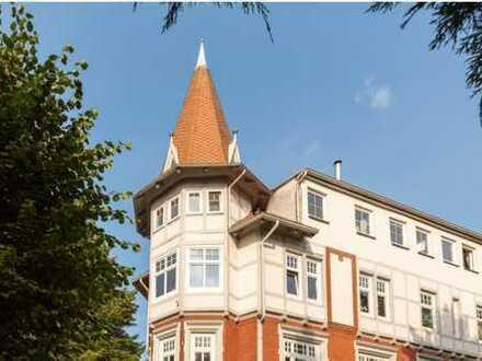 Dachgeschoss-Perle mit Turmzimmer und PKW-Stellplatz