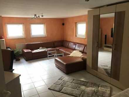Studenten aufgepasst! Schöne, geräumige 1 1/2 Zimmer Wohnung in Enzkreis, Neuhausen / Schellbronn