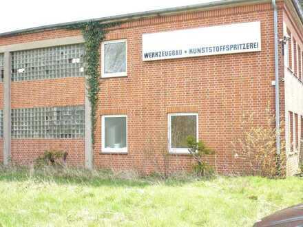 Produktionshalle mit Anbau und weiteren Lagerhallen
