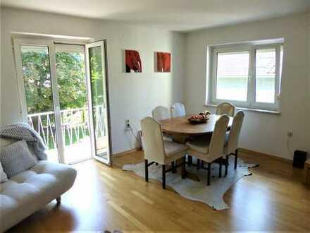 Gemütliche 4-Zimmer-Wohnung mit tollem Freisitz, teilmöbliert, in ruhiger Umgebung