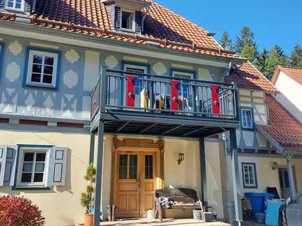 Gepflegte Wohnung mit zwei Zimmern und Einbauküche in Hildburghausen