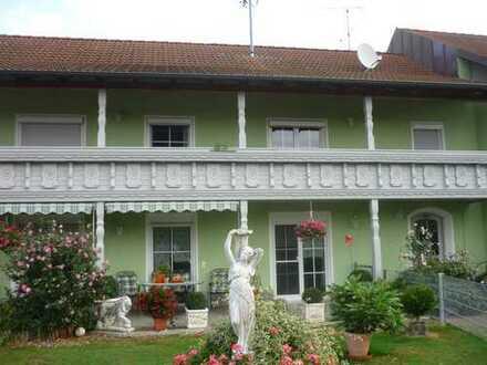 Gepflegte 4-Zimmer-Wohnung mit Balkon und EBK in Burtenbach