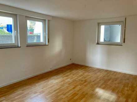 Schönes helles WG-Zimmer in 2er WG zu vermieten - Bad Cannstatt/Altenburg