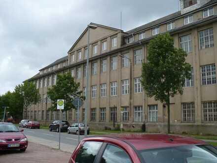 Ehemaliges Produktions- und Verwaltungsgebäude zu verkaufen