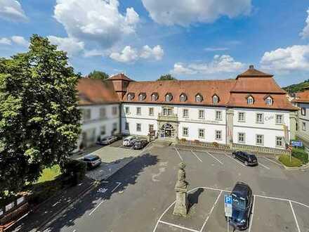 Hotel mit Eventscheune und Wohngebäuden