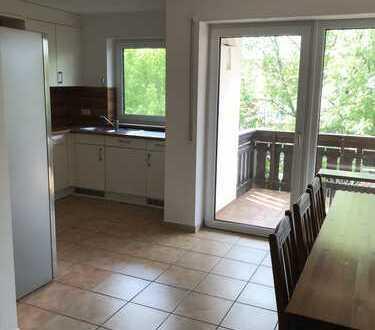 Gepflegte 3,5-Raum-Wohnung mit Balkon und Einbauküche in Aulendorf