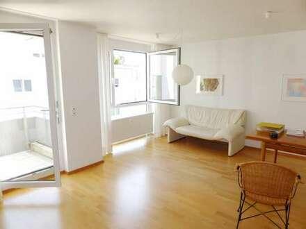 Moderne, sehr helle 2-Zimmer-Wohnung in guter, ruhiger Wohnlage*Balkon*Tiefgarage*Aufzug*