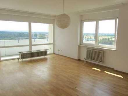 4,5 Zimmer Beletage mit Traumblick, TG-Stellplatz