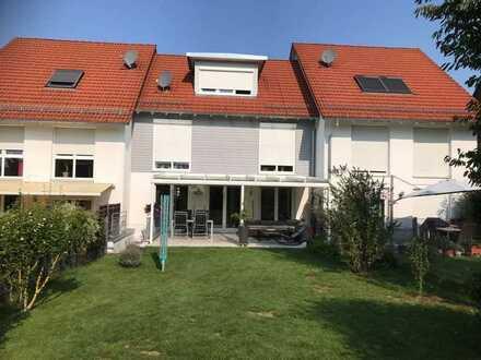 VON PRIVAT: Top Immobilie! Haus/Reihenhaus/Reihenmittelhaus + Garage + großer Garten + Stellplatz