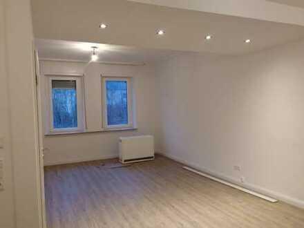 Erstbezug nach Sanierung: schöne 2-Zimmer-Erdgeschosswohnung mit Balkon in Idar-Oberstein