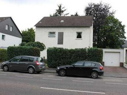 gemütliche 2-Zi-Dachgeschoss-Whg. mit Pantryküche + Garage in 3-Part-HS in Beuel-Süd nähe T-Mobile