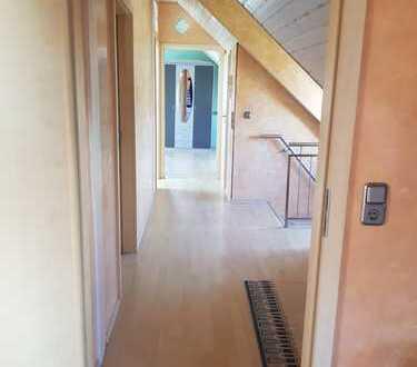 Schöne 2 Zimmer-Dachgeschosswohnung in Tübingen/Pfrondorf