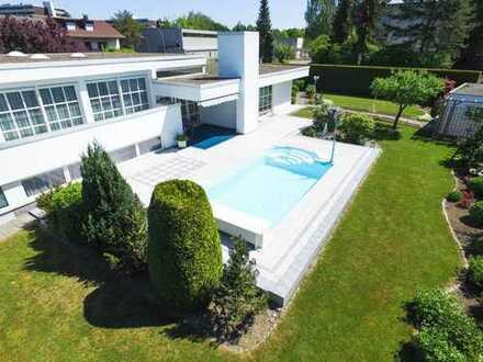 Villentraum mit wunderschönem Garten auf großzügigem Grundstück