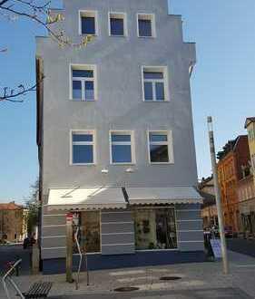 Herrschaftliche 5 Raum Wohnung mit Balkon