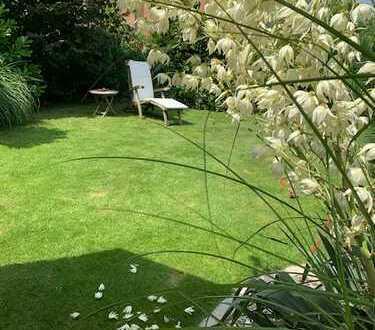 Traumhafter Garten, große DHH - wer möchte da nicht daheim sein ?
