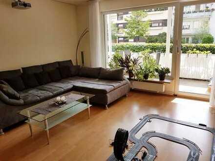 Stilvolle, gepflegte 4-Zimmer-Wohnung mit Balkon und Einbauküche in Freiburg, Oberwiehre, von privat