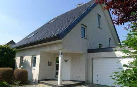 Sofort bezugsfertig, renoviertes, geräumiges Haus mit fünf Zimmern, Rheda-Wiedenbrück für 3 Jahre