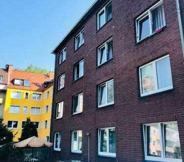 Zentral gelegene & super geschnittene 3,5 Zi Wohnung mit Einzelgarage