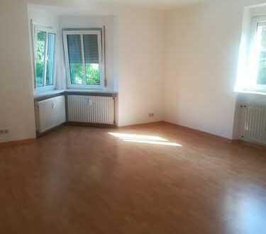Schöne helle 3 Zimmer Wohnung im EG von Privat zu vermieten