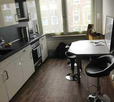 Preiswerte, gepflegte 2-Zimmer-Wohnung mit Einbauküche in Emden