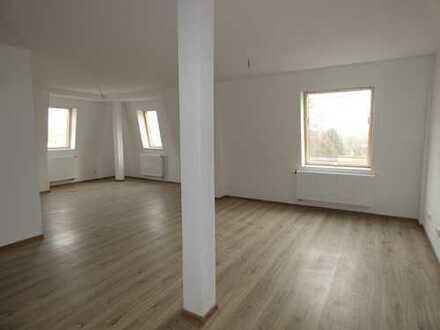 Helle charmante 5 Raum-Wohnung-Erstbezug nach Sanierung!