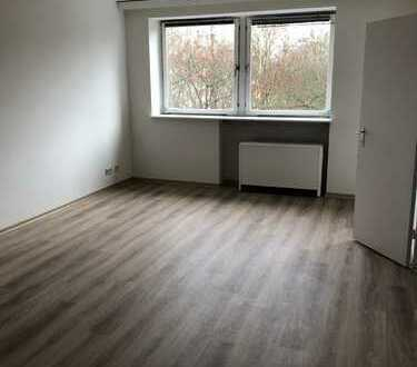 Neu sanierte 1 Zimmer SENIORENWOHNUNG mit Balkon