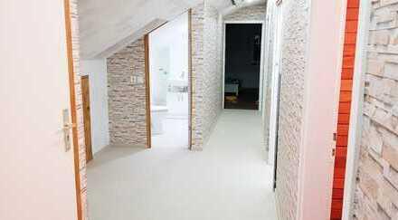 Vollständig renovierte 3-Zimmer-DG mit EBK und teilmöbliert in Wiernsheim