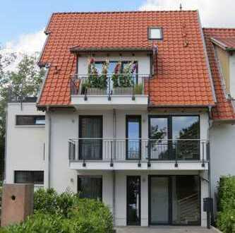 Exkl. 4-Zimmerwohnung mit 3 Balkonen, 2 Bädern in Isernhagen, Baujahr 2014