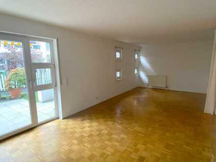 Mitten in Mannheim-Käfertal in ruhiger Hinterhauslage: Schicke Terrassenwohnung mit 4 Zimmern