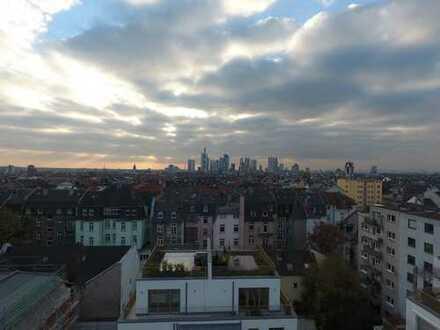 Penthouse mit Dachterrasse und Blick auf Frankfurter Skyline