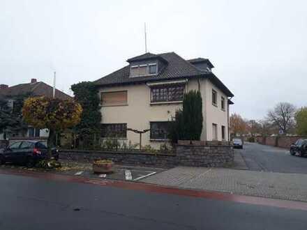 Stop! Verkauf im Bieterverfahren: Repräsentatives geräumiges Haus in zentraler Lage von Bürstadt