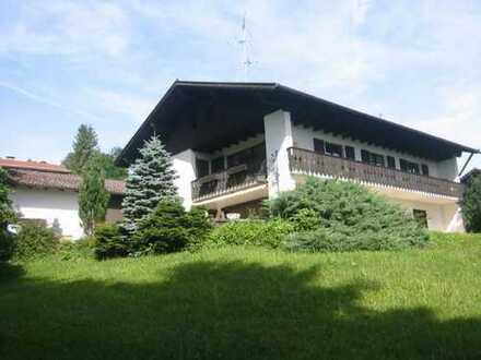 Provisionsfrei: Repräsentatives, großzügiges Landhaus mit reizvollem Grundstück in Seenähe