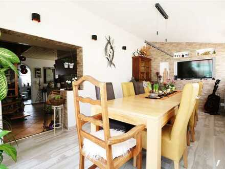 F&D | Gepflegte Maisonette-Wohnung mit Balkonterrasse & Garage