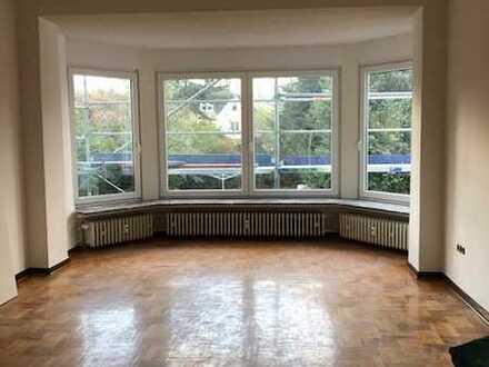 *** ANFRAGENSTOP *** Schöne, helle und charmante 5-Zimmer-Wohnung über 2 Etagen mit Balkon