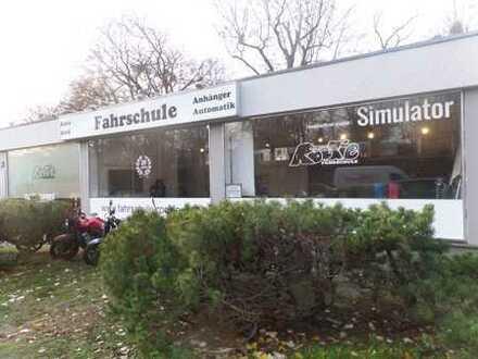 ***Attraktiver gut geschnittener Laden in Zehlendorf zu verkaufen***
