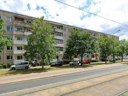 Mehrfamilienhaus (Plattenbau) in Zentrumsnähe mit 90 Wohneinheiten