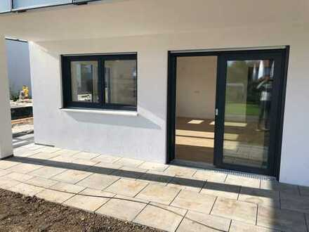 Erstbezug mit Terrasse und kleinem Gartenanteil: attraktive 3-Zimmer-Erdgeschosswohnung in Benningen
