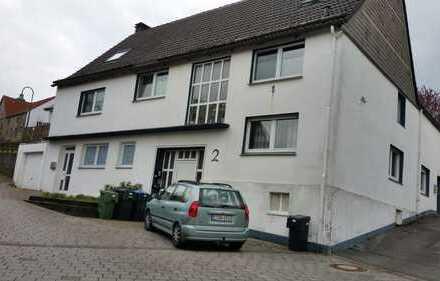 Preiswerte und geräumige 2-Zimmer-Erdgeschosswohnung zur Miete in Warstein