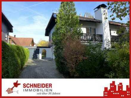 IMMOBILIEN SCHNEIDER - Komplett sanierte Doppelhaushälfte mit EBK und kl. Garten