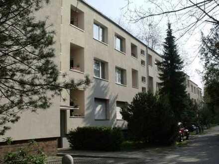 1-Zimmer-Wohnung mit Balkon in Lichterfelde, Steglitz