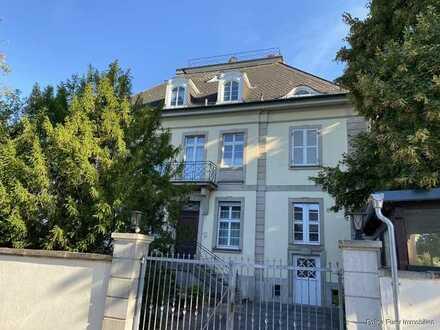 Schicker Altbau, einzigartige 2 Zimmer Wohnung in Nierstein