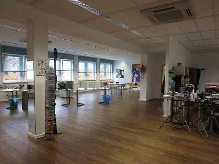 lichtdurchflutete, gekühlte Büroeinheit in Ärzte- bzw. Bürohaus * provisionsfrei (Basis 3 JV)