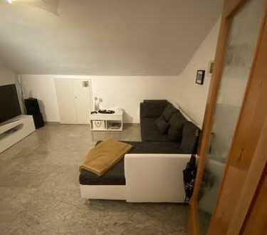 Schöne zwei Zimmer Wohnung in Pleidelsheim