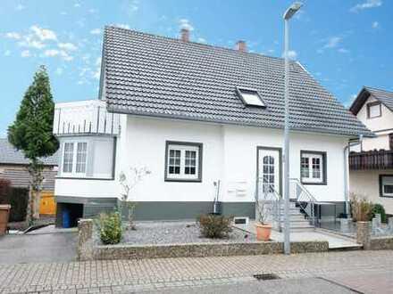 Schönes, gepflegtes 2-Familienhaus in guter Wohnlage