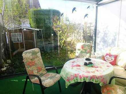 Zusmarshausen: Behagliches Reihenhaus mit kleinem Garten in sehr schöner Lage!